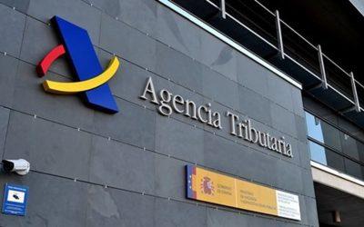 Hacienda 'asusta' por carta a un millón y medio de españoles a los que ha descubierto cuentas en el extranjero